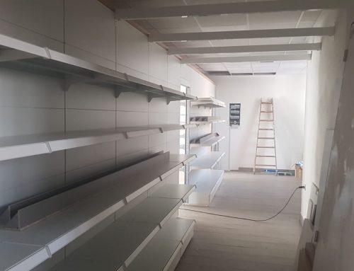 Inicio montaje mobiliario estanco Campello – Alicante